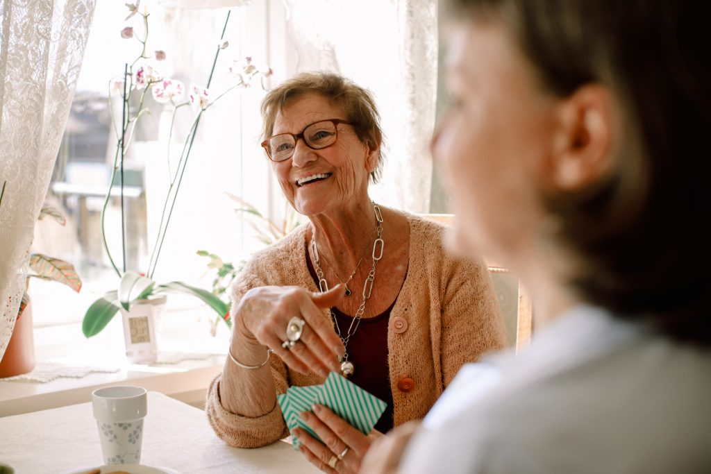 Women_independent with palliative care